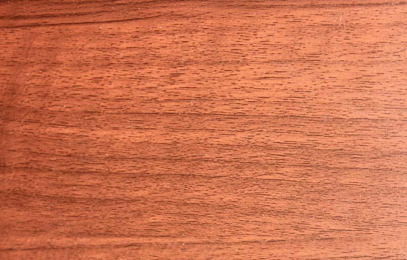 ギターのボディー材としてよく使われる木材マホガニー