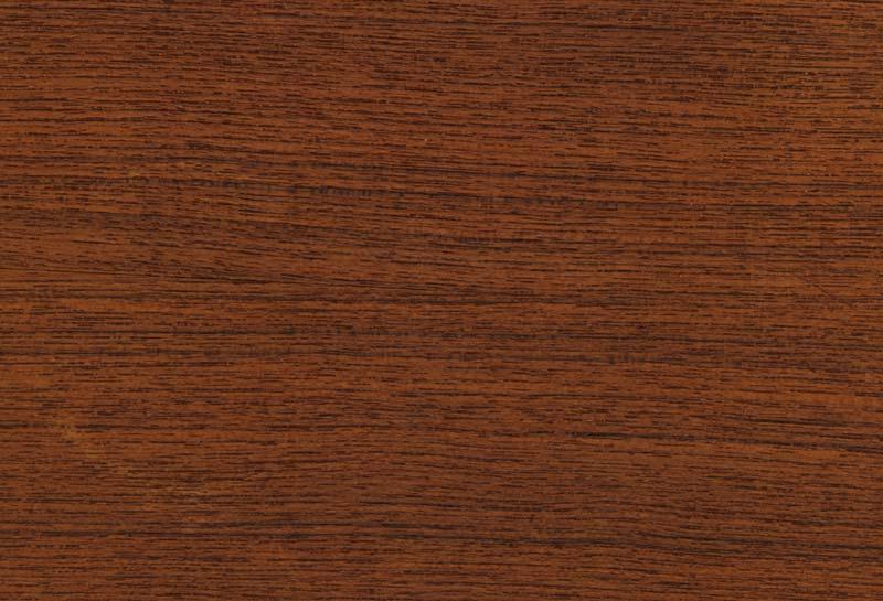 ギター・ベースで使う木材としては少し珍しいウォルナット