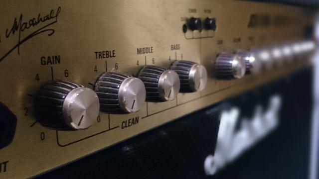 ギターアンプインプットの使い分け方