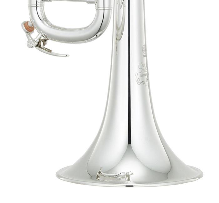 シルバープレート(銀メッキ)の金管楽器(トランペット)